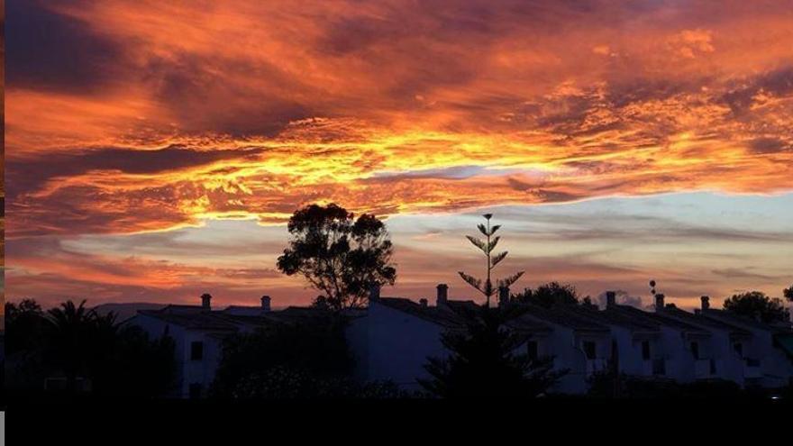 El crepúsculo vespertino en la provincia de Alicante, protagonista en redes sociales