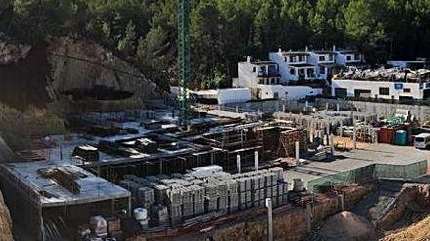 Sant Josep revisará la licencia de la promoción paralizada Vadella 24