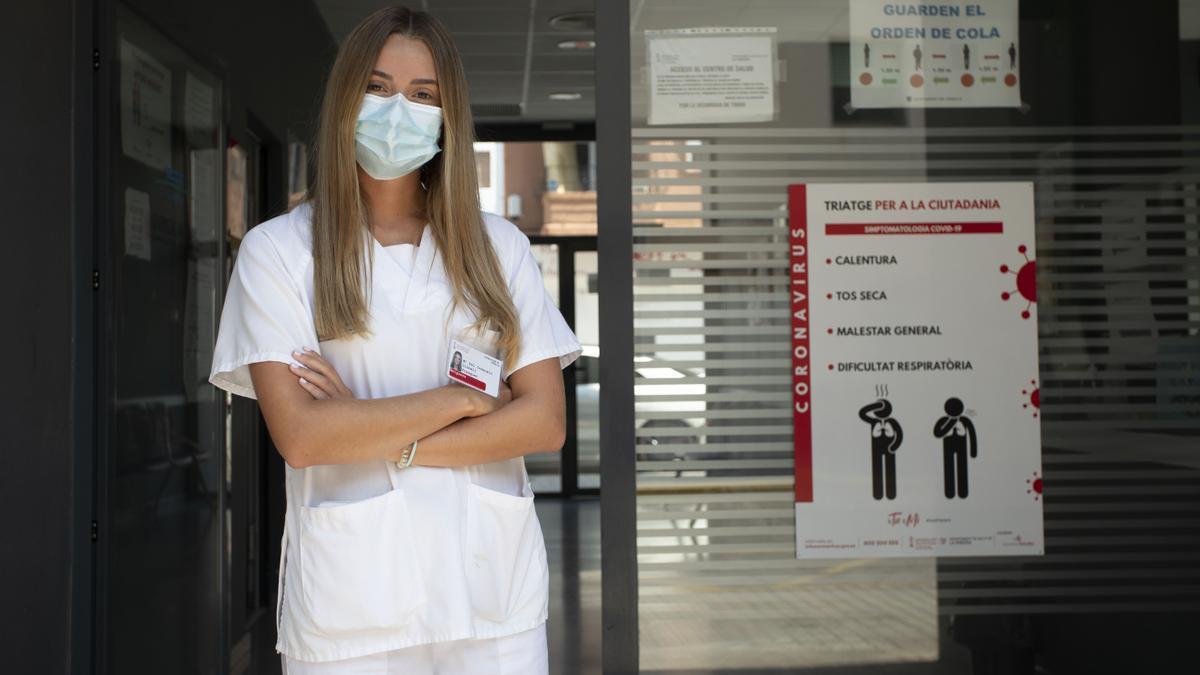 Consuelo Llobell, fallera mayor de València 2020 y 2021, este verano en un Centro de Atención Primaria
