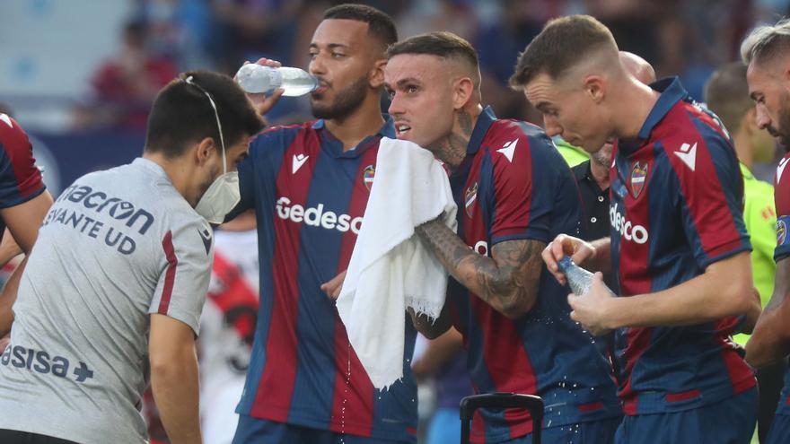 """Roger, toque de atención al equipo tras el Levante-Rayo: """"Faltó picardía"""""""