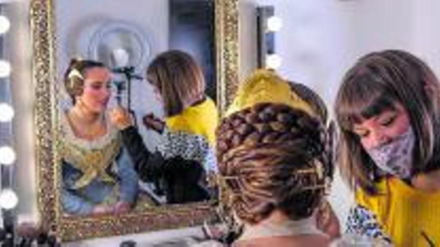 La incertidumbre sobre los actos falleros vacía la agenda de las maquilladoras