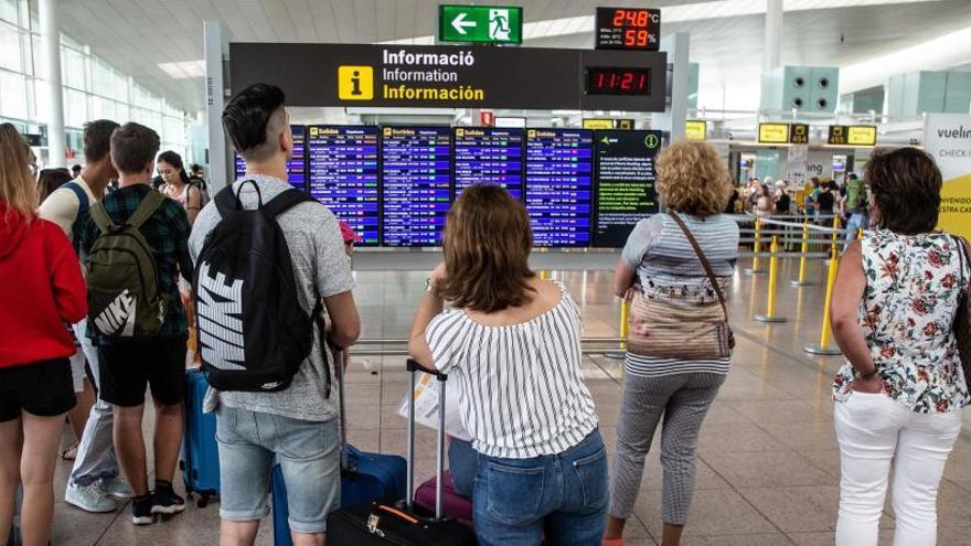 El personal de tierra de Iberia en el aeropuerto de El Prat convoca nuevos paros para septiembre