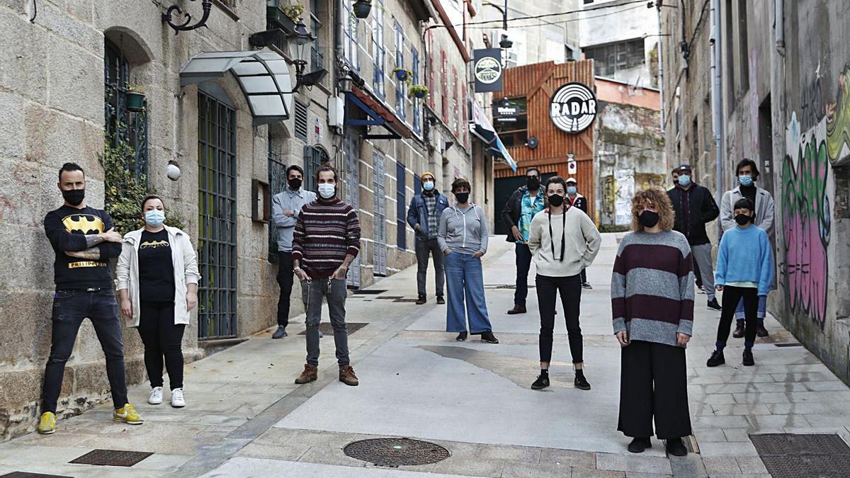 Propietarios de once locales de Churruca han cerrado en protesta por las restricciones. |   // R. GROBAS