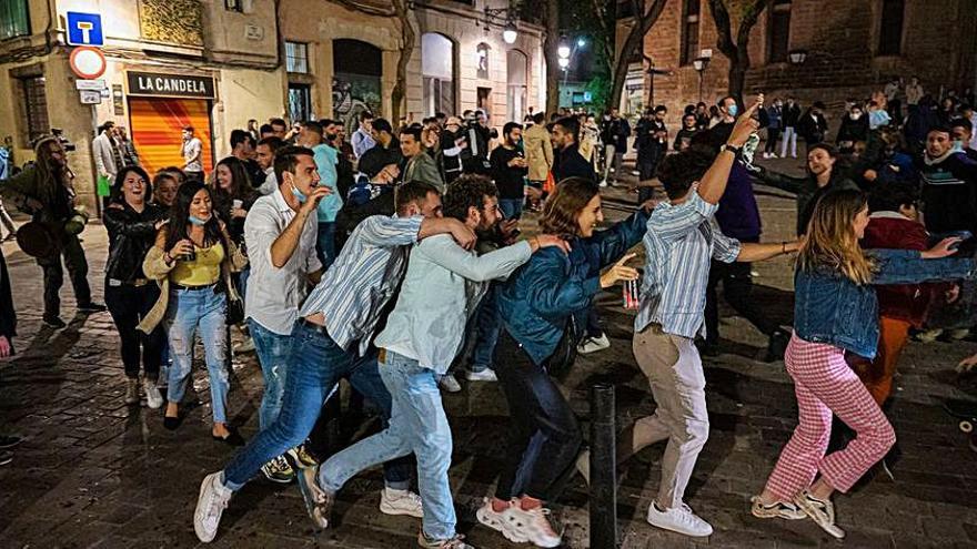 Desallotjades 4.924 persones per formar aglomeracions a Barcelona