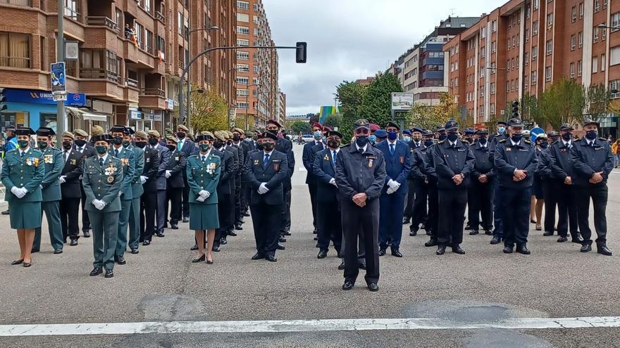 La asociación Lepanto, en el desfile por el 22.º aniversario del Día nacional del veterano