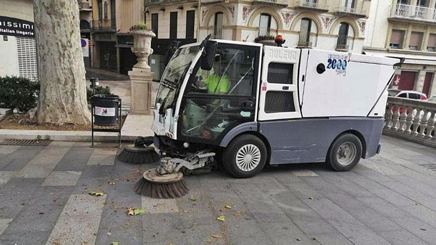 Figueres municipalitzarà la neteja viària però preveu prorrogar les escombraries