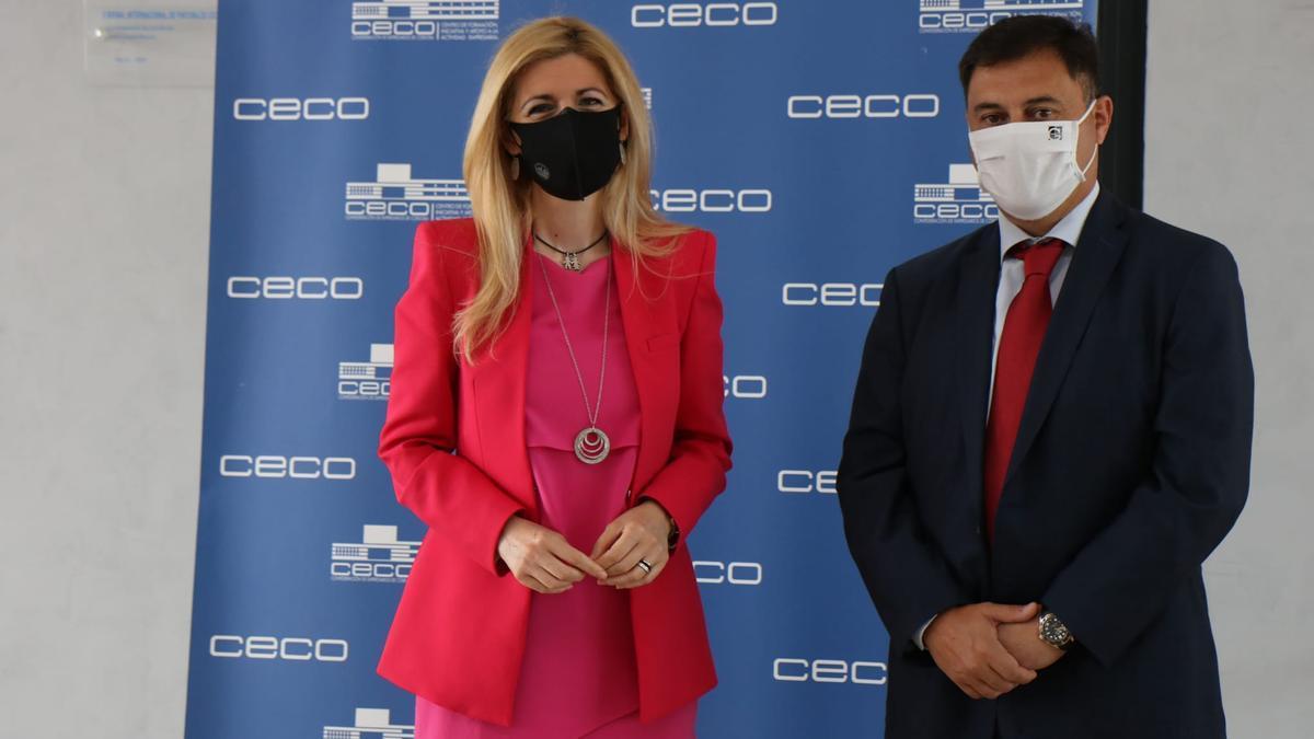 Lourdes Morales y Manuel Reina, este miércoles en la sede de CECO.