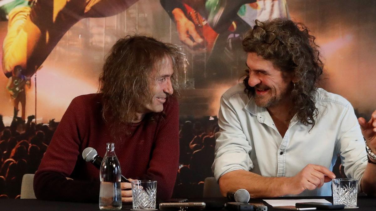 Robe Iniesta (i) e Iñaki 'Uoho' Antón durante la presentación de la gira.