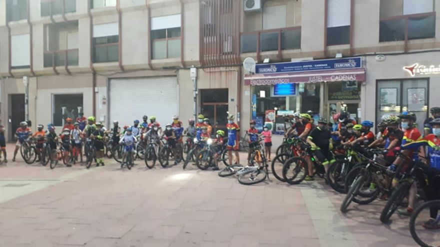 Numerosos jóvenes en la ruta de BTT de Lopenta en Benavente
