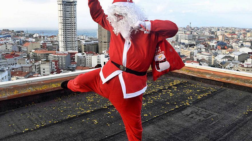 Papá Noel se sube a la azotea en Juan Flórez