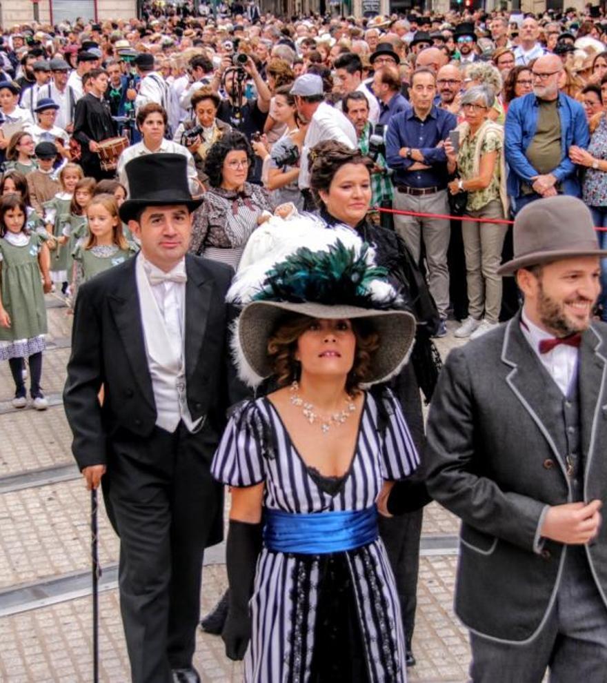 Primeros actos de la III Feria Modernista de Alcoy.