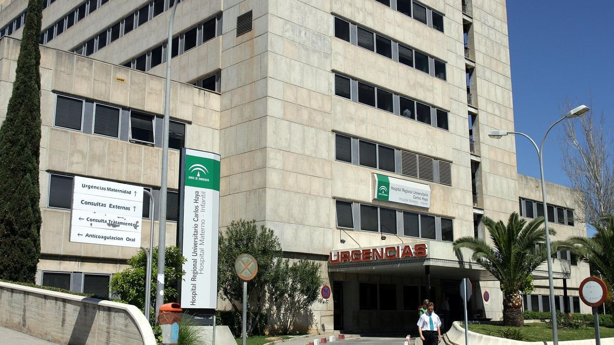 Exterior del Hospital Materno Infantil de Málaga, donde ingresó el niño.