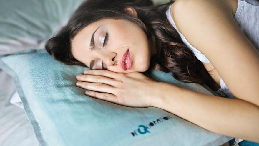 Cómo perder peso mientras duermes con un sencillo gesto