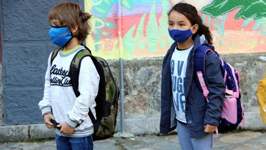 """L'aFFaC reclama relaxar la mascareta: """"S'apliquen a l'escola restriccions molt més dures que a la resta de la societat"""""""