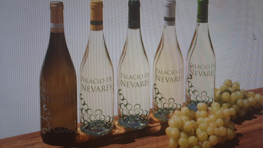 Palacio de Nevares, los viñedos que crecen a la sombra de la Sierra del Sueve