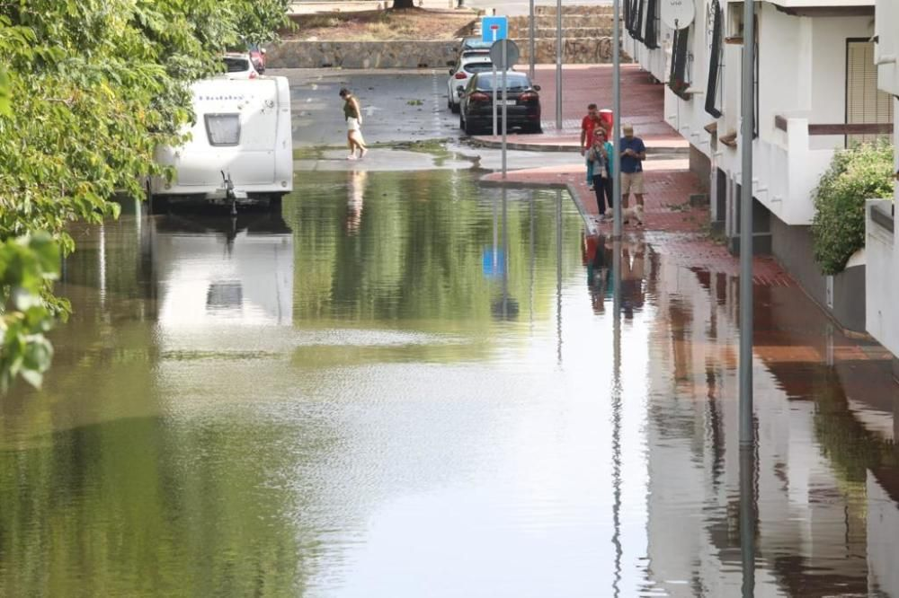 Torrevieja amanece con las calles inundadas