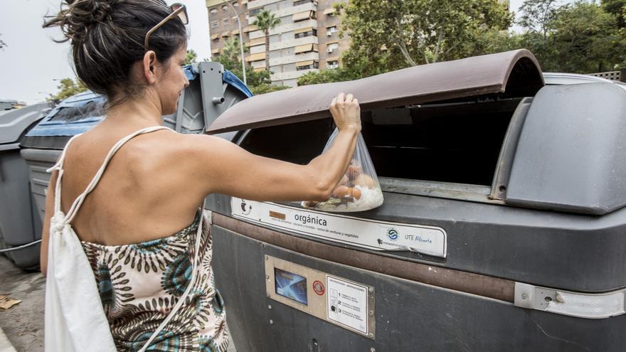 Compromís y Vox dan aire al bipartito con el Plan de Residuos
