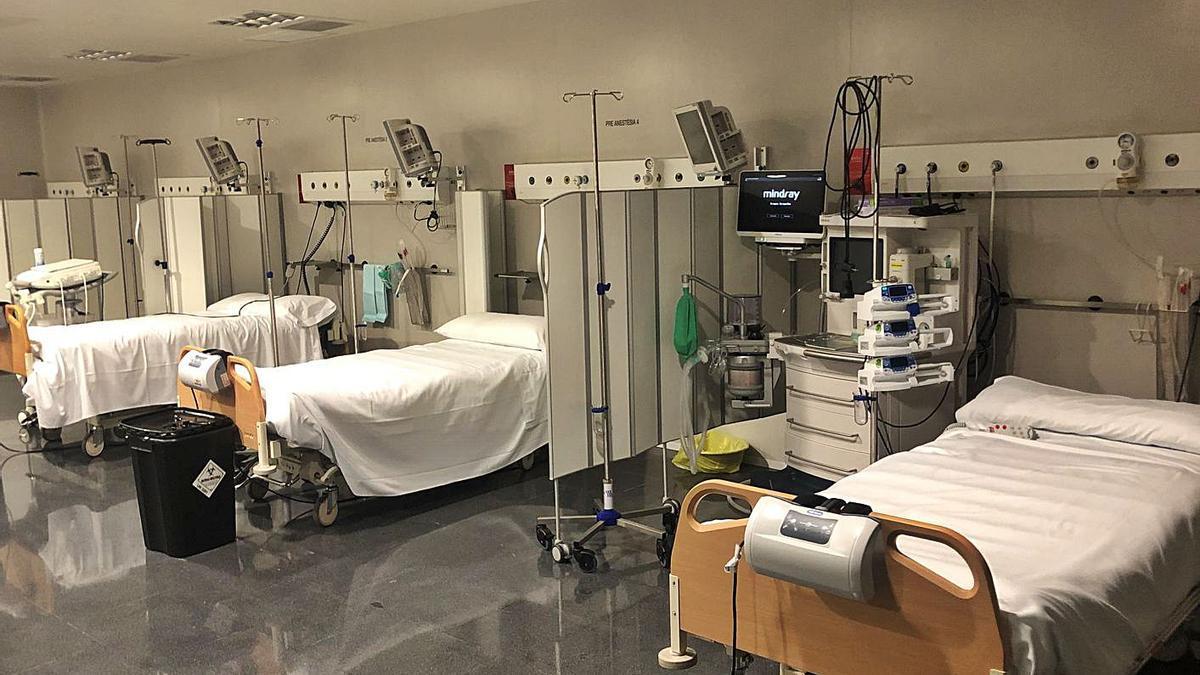 L'àrea de crítics de l'hospital de Blanes, en una  imatge d'arxiu de l'any passat.   CSMS