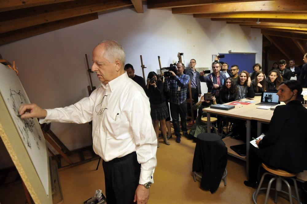 William Kentridge visita un instituto de Mieres