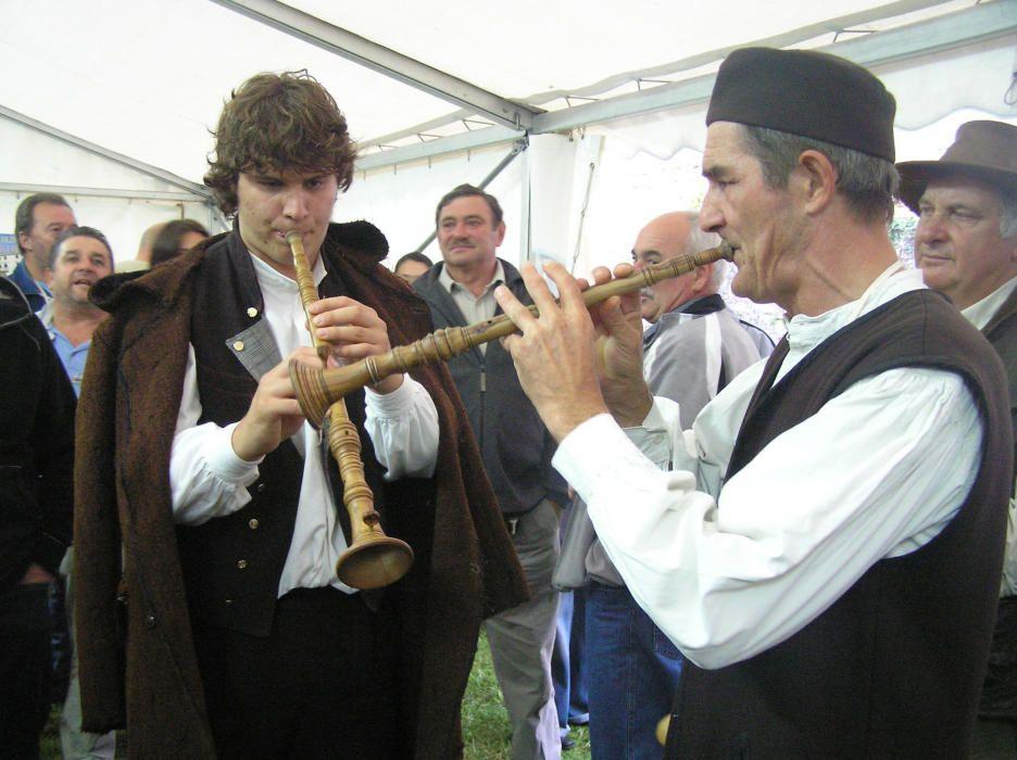 Croacia -  Canto y musica a dos voces de las comunidades croatas, istrio-rumanas e italianas en la península de Istria.