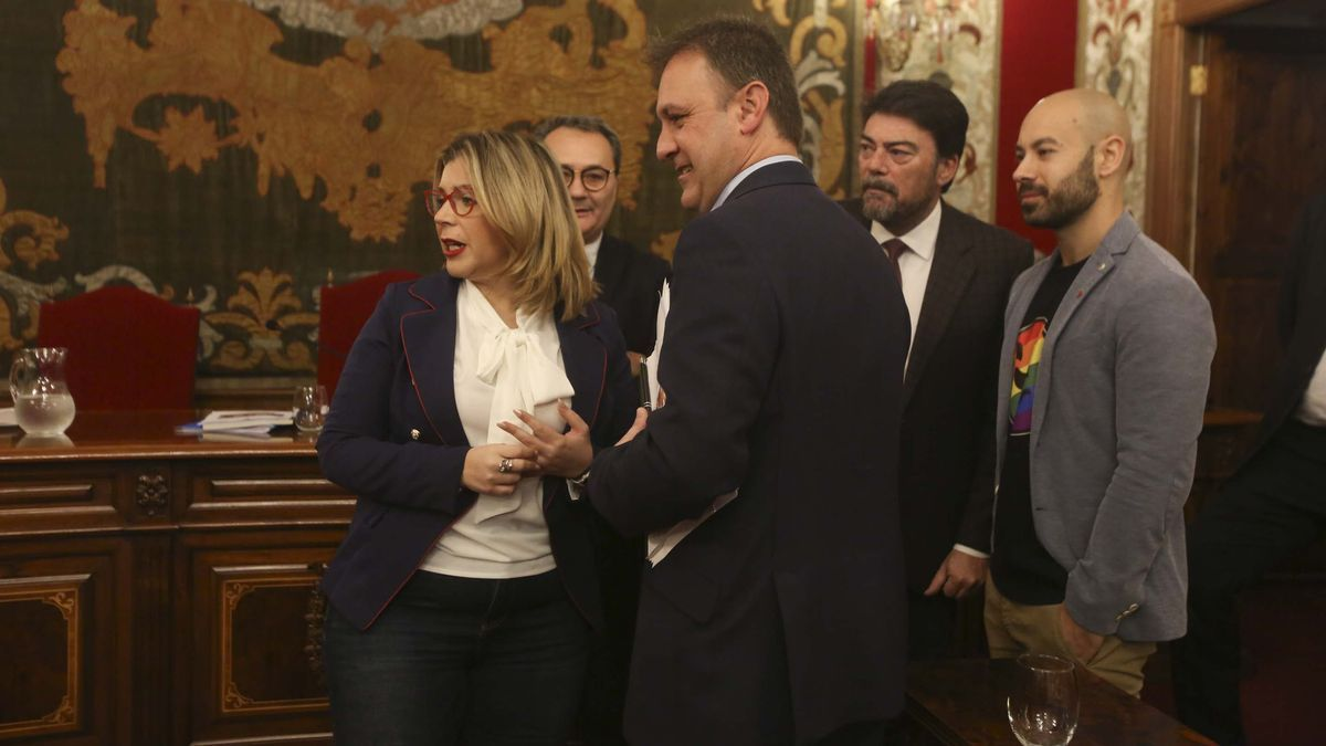 Sánchez (Cs), Bellido (Compromís), Barcala (PP) y López (Unidas Podemos), con Sanguino (PSOE) en un segundo término, en un pleno previo a la pandemia