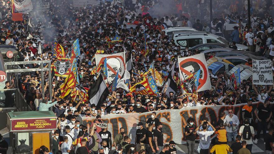 """""""El ex propietario del Lille está en contactos para comprar el Valencia CF"""""""