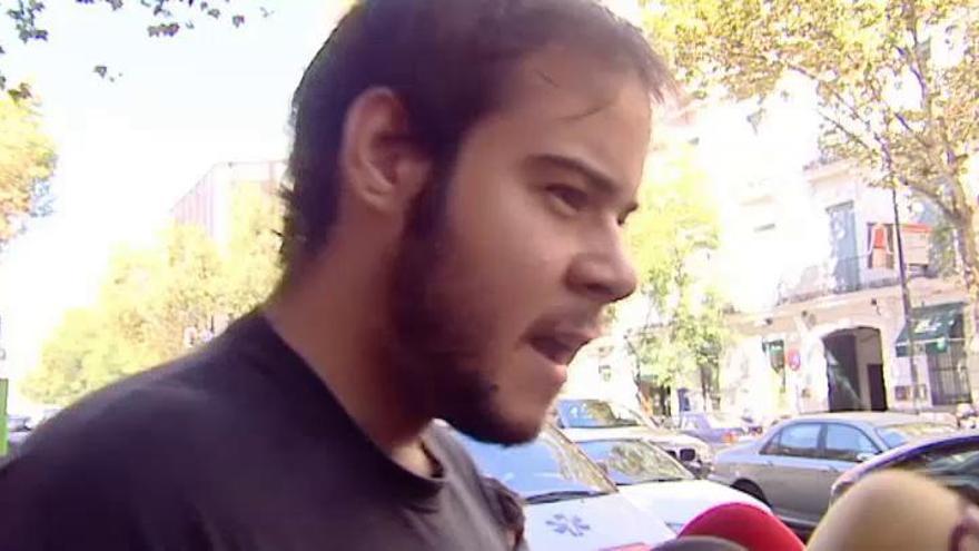 El rapero Hasel repite en Twitter los mensajes por los que ha sido condenado