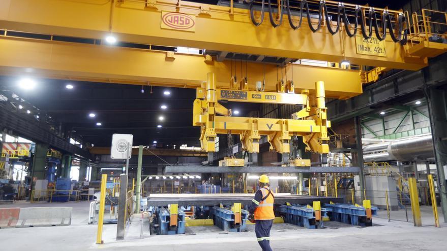 Una acería detiene su producción al subir un 300% el precio de la luz