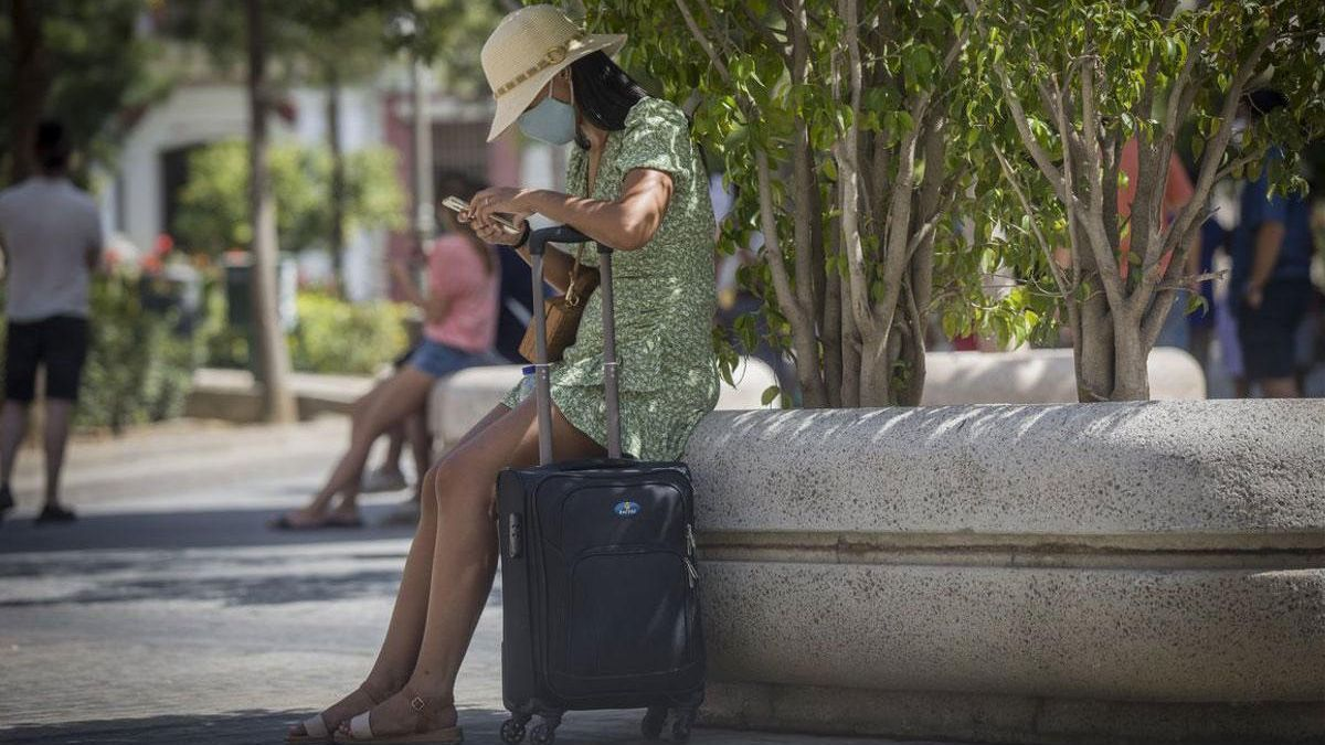 El número de turistas extranjeros se ha reducido un 75,9% este mes de agosto.