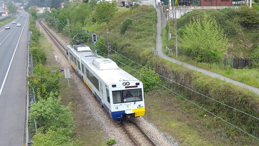 Los alcaldes prevén un auge de turistas y pasajeros con la mejora de la línea de Feve