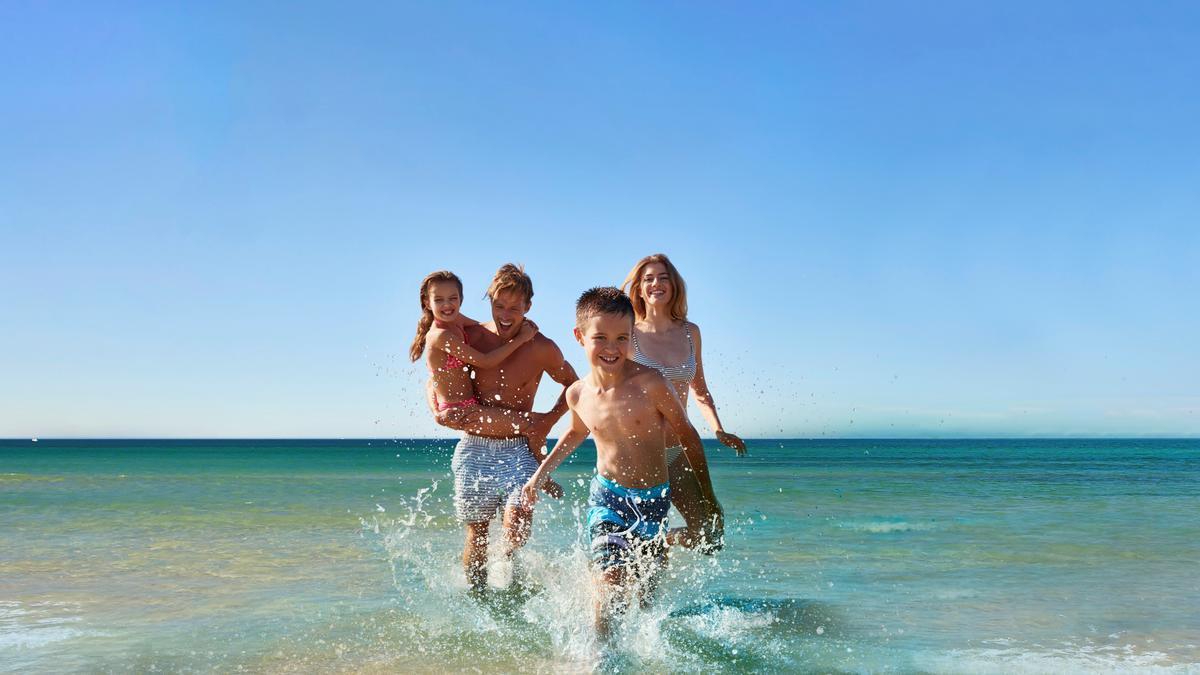 Oliva Nova Beach & Golf Resort es el destino de vacaciones y ocio deportivo ideal para el verano.