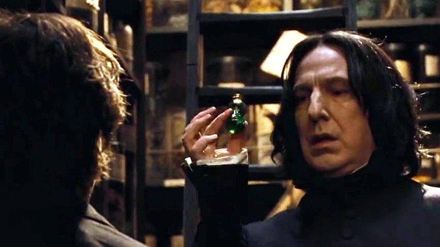 J.K. Rowling revela el origen secreto del personaje de 'Harry Potter' Severus Snape