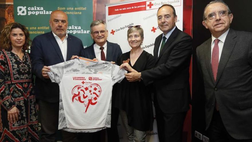 La Carrera de la Cruz Roja de València se abre a la ciudad