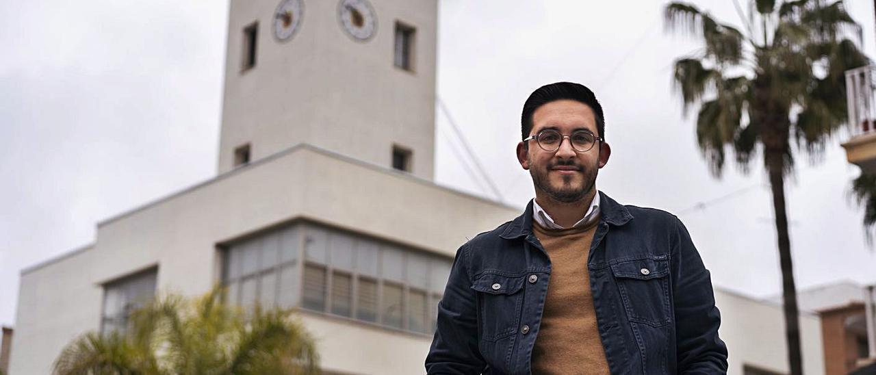 Héctor Troyano en el Ayuntamiento de Vilamarxant, la semana pasada. | GERMÁN CABALLERO