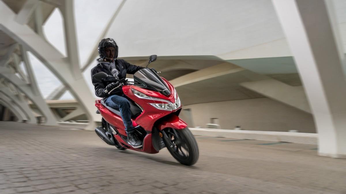 Honda PCX: 90 fotos en una súper galería de imágenes