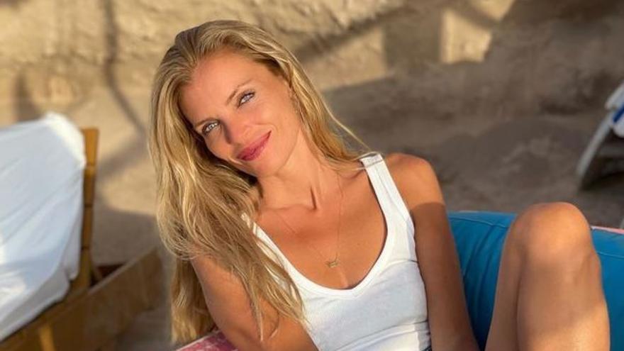 Esther Cañadas presume de novio valenciano en Ibiza