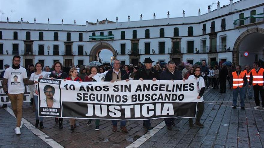 Una protesta reclama que no se olvide el caso de Ángeles Zurera