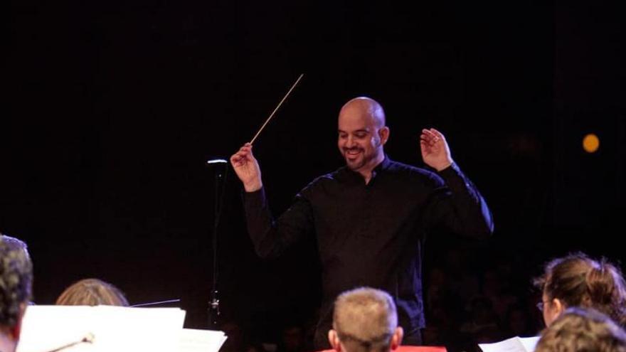 El compositor de Carcaixent Frank Cogollos gana el oro en el certamen de Quebec