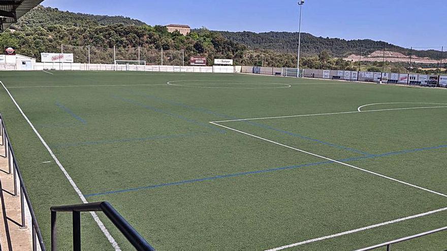 Puig-reig inverteix 205.000 euros per substituir la gespa artificial del camp de futbol