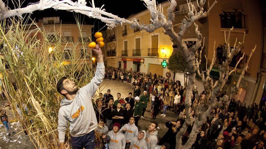 """Agost organiza un acto extraordinario de Les Danses del Rei Moro para que los """"naranjeros"""" puedan bailar en Navidad"""