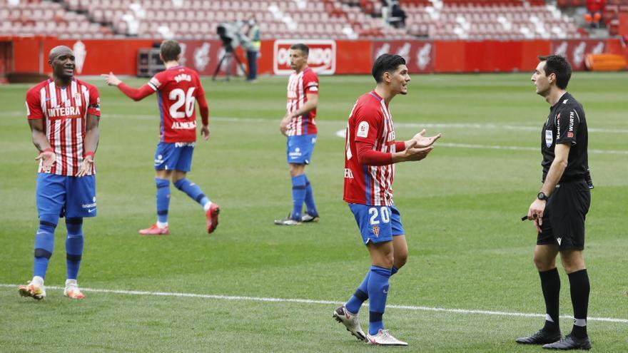 El Sporting cae en la Copa ante el Betis con polémica arbitral (0-2)