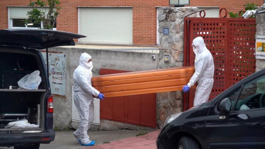 El Gobierno de Madrid, enfrentado por las residencias