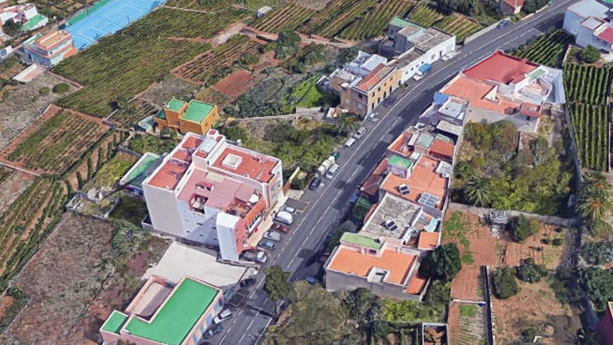 Una niña cae desde el segundo piso de una vivienda en Tenerife