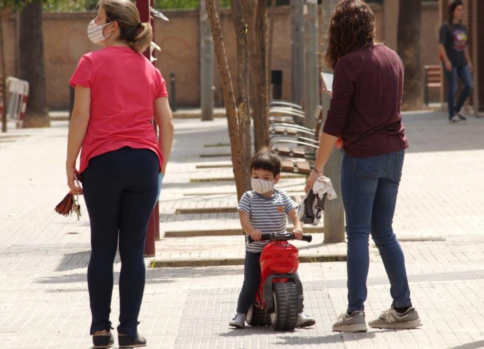 Niñas y niños salen a la calle en Alaquàs.