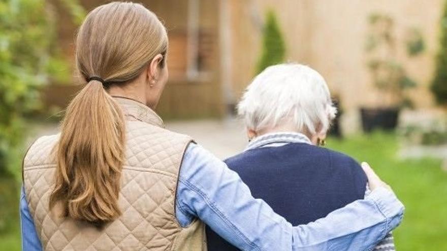 Las personas beneficiarias con derecho a dependencia crecen un 2,2% en Canarias en 2020