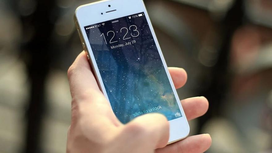 Arrestan a un menor por robarle a una mujer un teléfono móvil de 1.300 euros