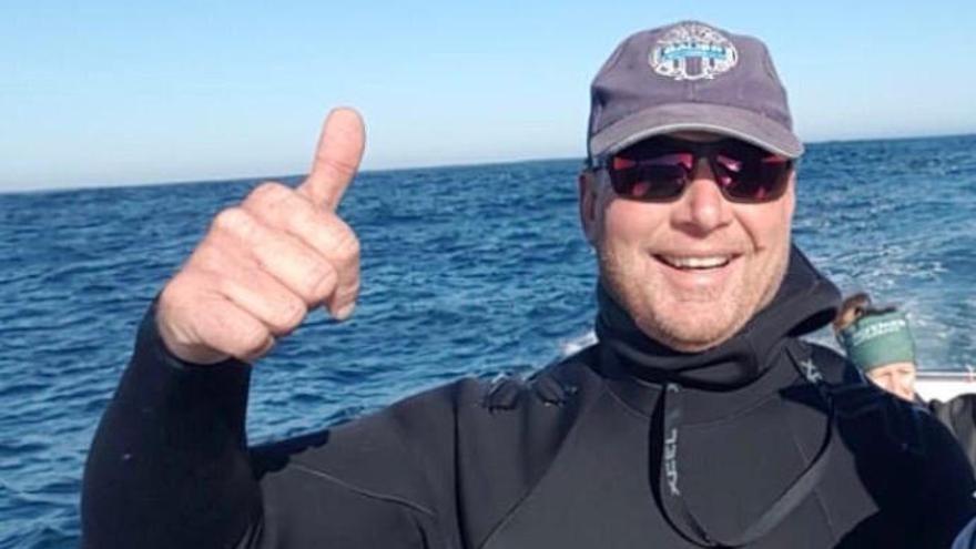 El submarinista engullido y liberado por una ballena en Sudáfrica contará su experiencia en 'Arona Son Atlántico'