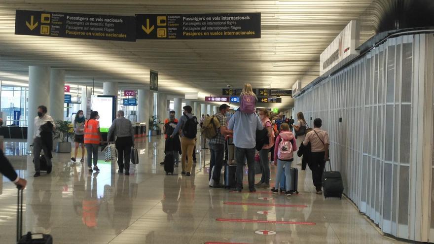 Son Sant Joan hace controles aleatorios desde 1.500 viajeros para evitar colas