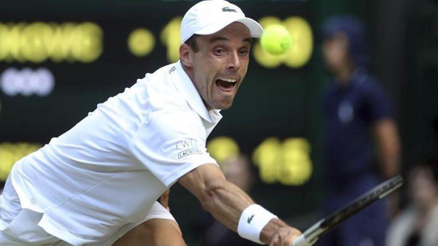 Bautista no puede con el campeón Djokovic