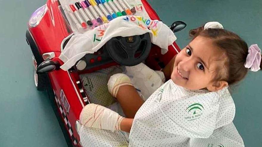 Una niña de cuatro años necesita ayuda para no perder todas sus extremidades